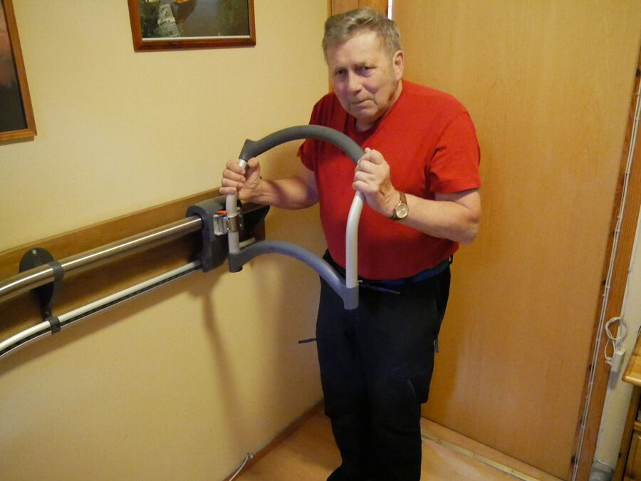Kjell Groven with the stair aid AssiStep